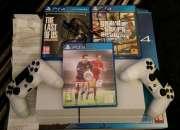 En venta sony ps4 console con 4 más juegos $150