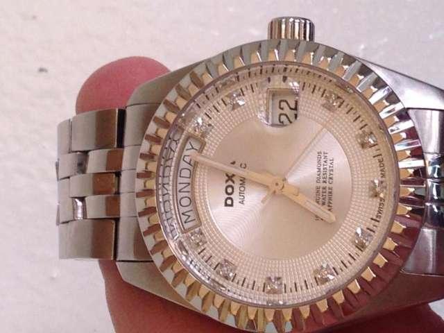 34f2ad5a140d Reloj doxa automático con diamantes. Guardar. Guardar. Guardar
