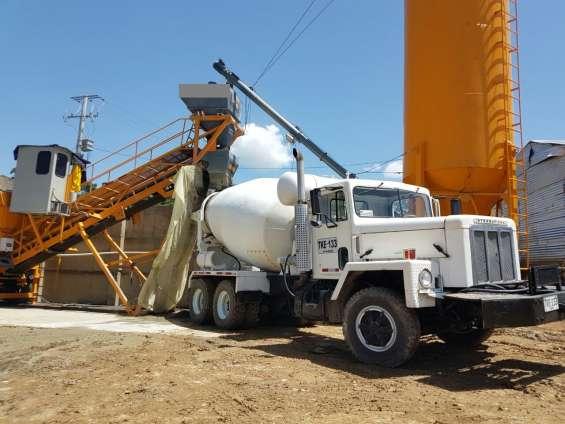 Mixer, mezclador de concreto, camión hormigonero, mezcladora.