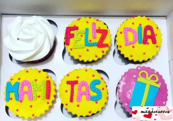 Cup cakes con rellenos de mora, fresa, arequipe  y baileys x6  / ramo y bouquet
