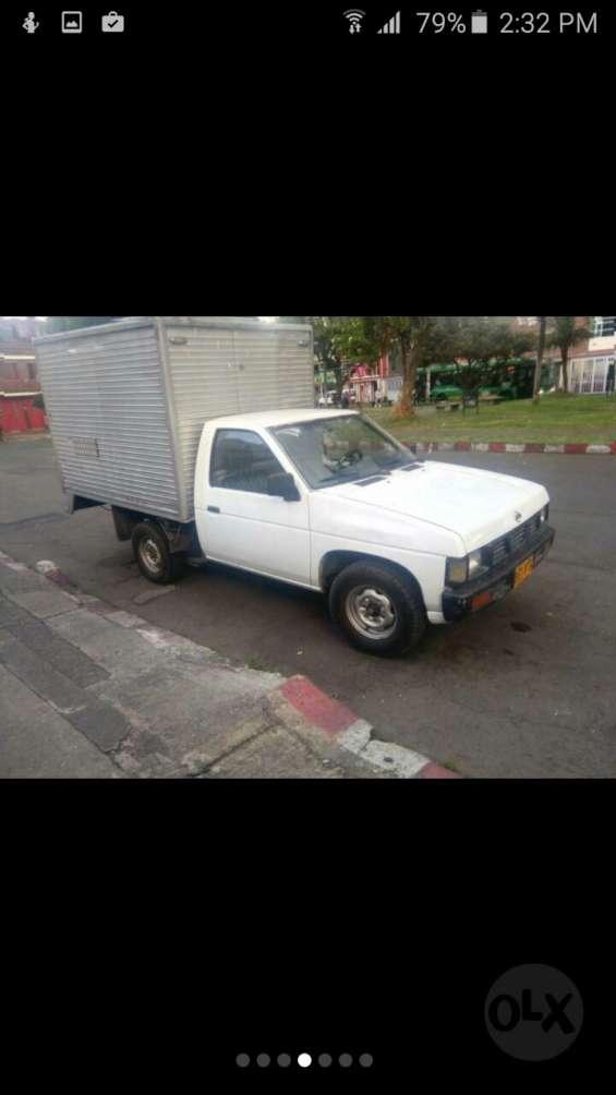 Vendo furgon nissan d21 japonesa full inyeccion mod.94