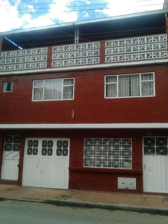 Vendo casa amplia en marco fidel saurez