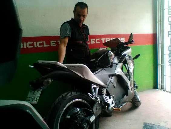 Fotos de Mecanico de motos electricas 1